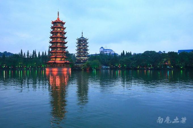 桂林风景建筑手绘图