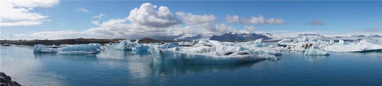 这里是世界上陆地上第三大冰盖,第一在南极,第二格陵兰岛,第三就是