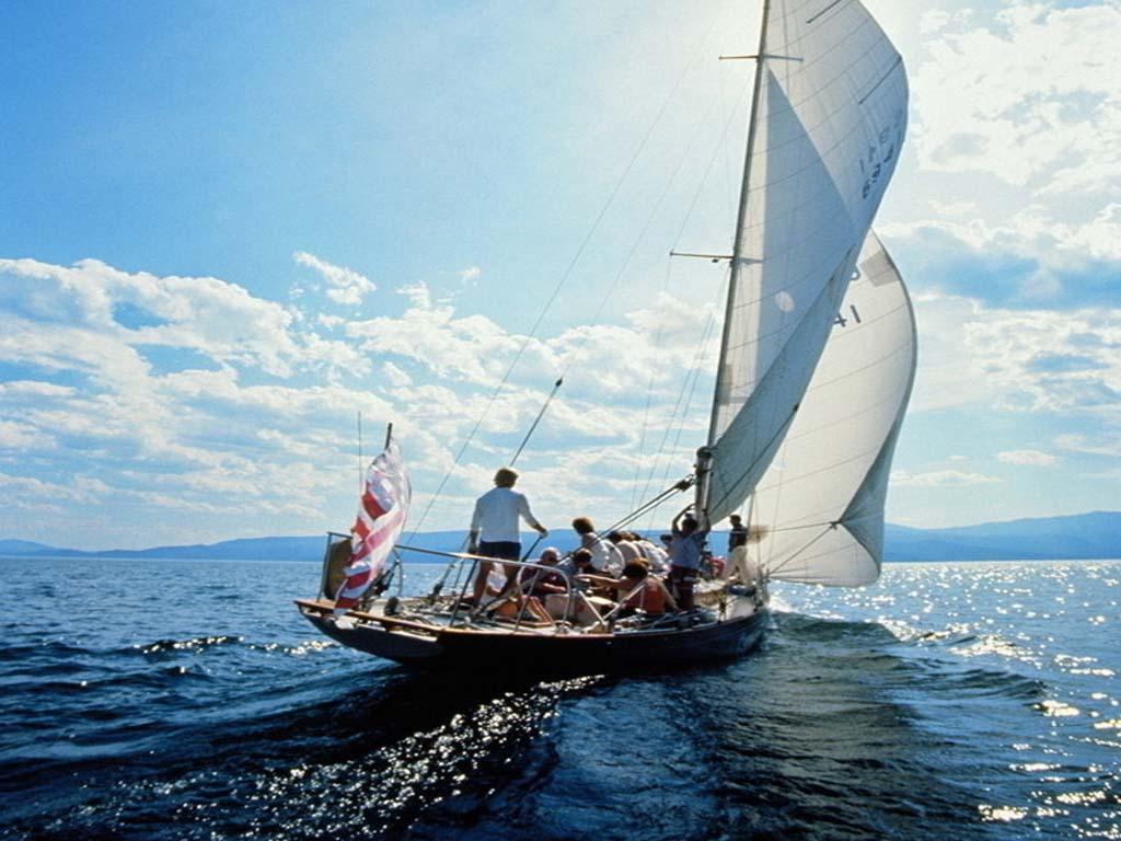 帆船出海,乘风破浪,夜晚沙滩派对