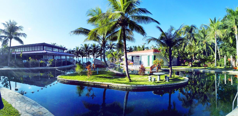 大酒店位于著名的旅游风景区——三亚市大东海之滨