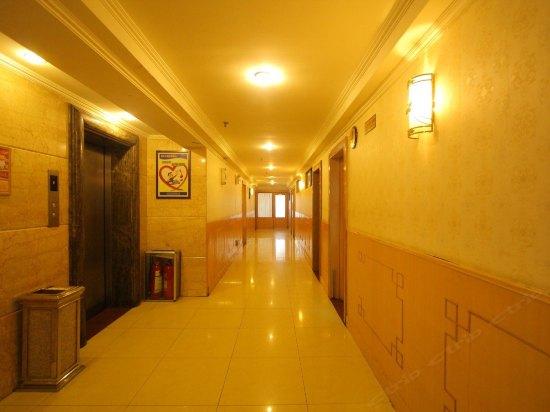 青岛前哨大酒店