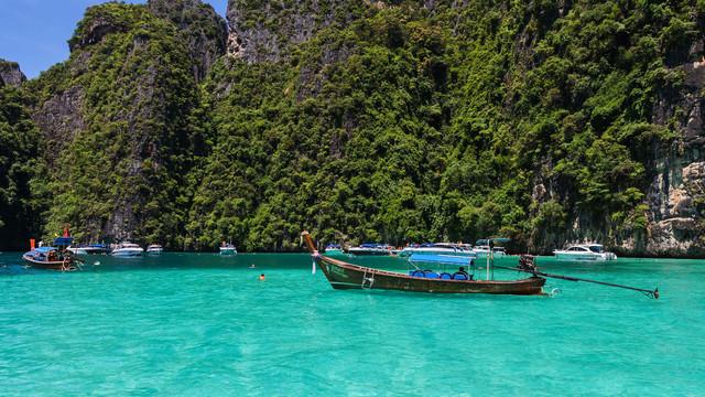 入住甲米奥南悬崖海滩度假酒店,含甲米神奇4岛一天游,甲米机场接送