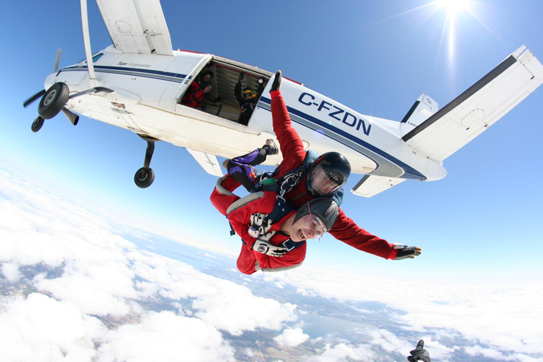 六日天_ 加拿大海陆空6日品质游>全程华人vip管家团队专属陪同,乘坐热气球 水
