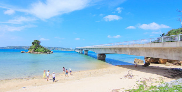 如果你想观赏具有冲绳特色的美景,古宇利岛是明智的选择.