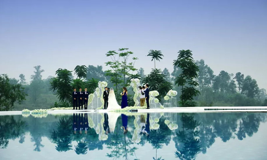 黑龙滩长岛国际旅游度假中心是一个集体育运动公园,度假酒店,主题风情