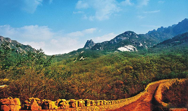 全程旅游网首页 山东 青岛旅游 景点 珠山国家森林公园  齐长城 大约