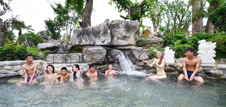 石阡古温泉水上乐园