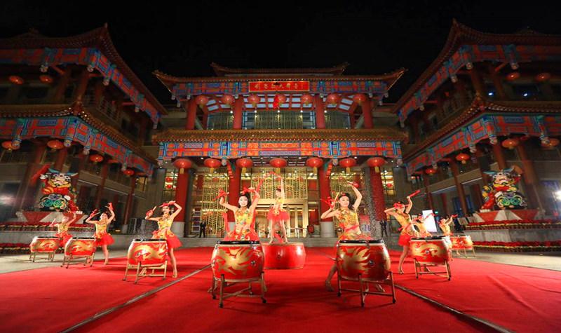 泰安新天街刘老根大舞台图片