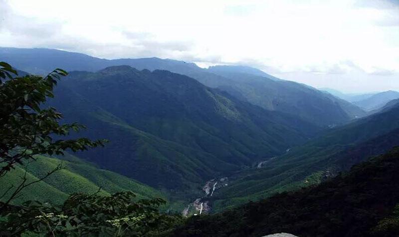 黄岗山大峡谷