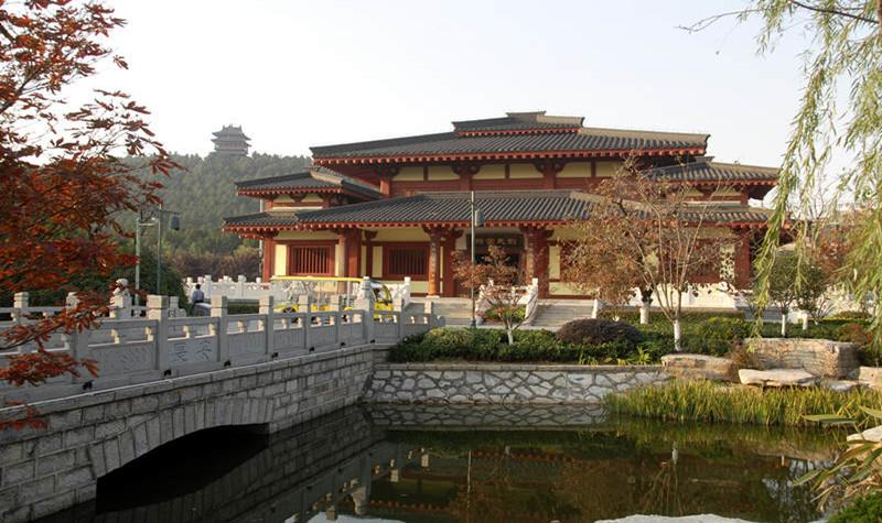 徐州汉文化景区(汉兵马俑、狮子山楚王陵)