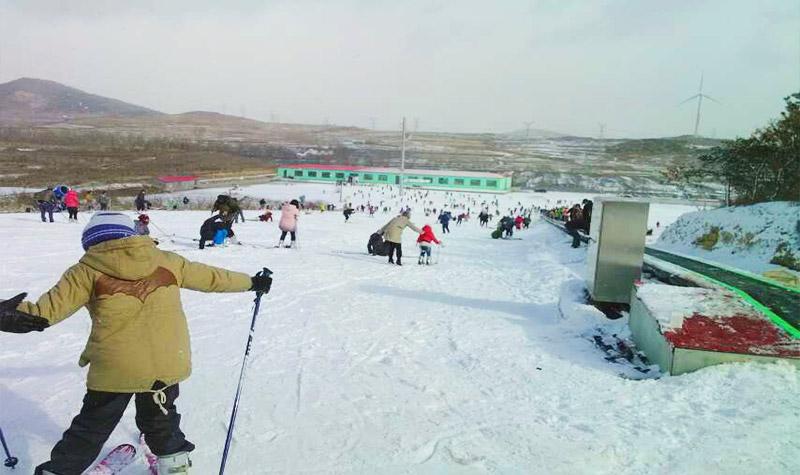 山泰生态园滑雪场