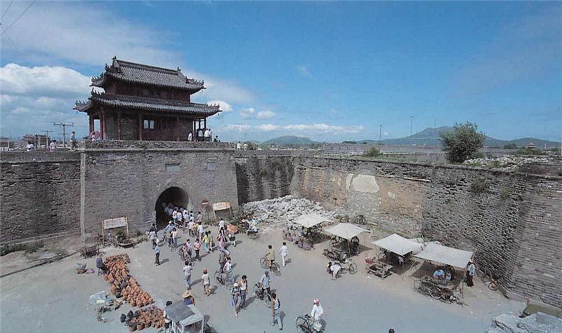 葫芦岛景区门票 > 兴城古城门票及相关产品   兴城具有得天独厚的旅游