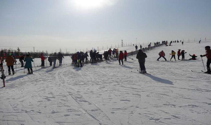 海县湖西温泉滑雪场门票预订