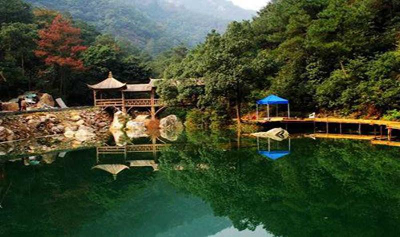 白龙潭风景区