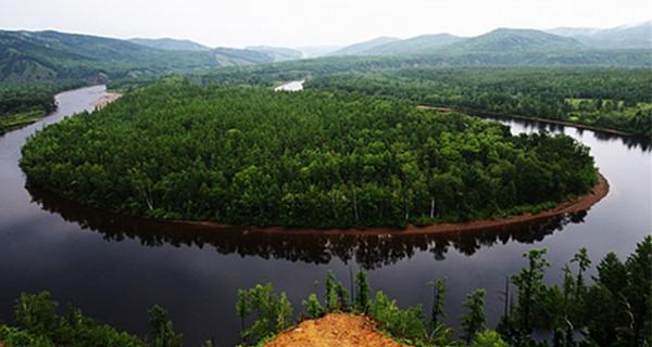莫尔道嘎国家森林公园内分成龙岩山图片
