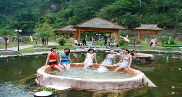 阳山温泉酒店+天泉瀑布+篝火晚会+英西峰林精彩2天游>森林氧吧七彩