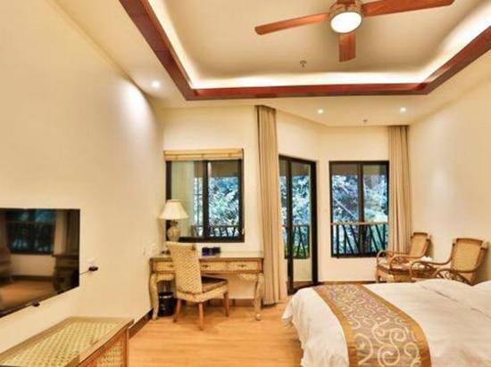 酒店介绍 景洪王莲酒店 酒店坐落于被当地人称为葫芦岛的亚洲 大