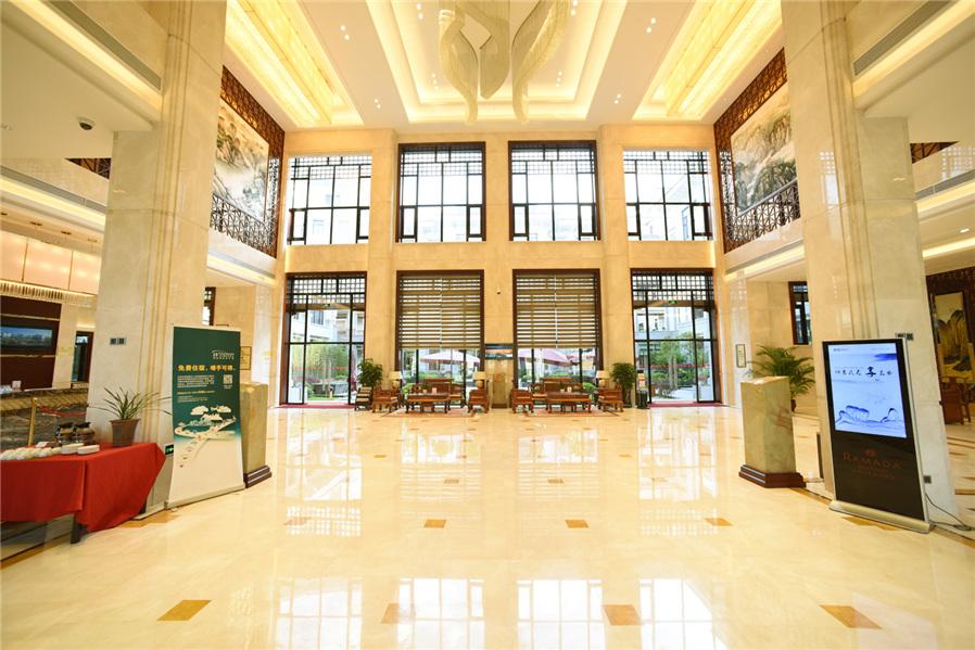 酒店提供飞机场免费接送服务