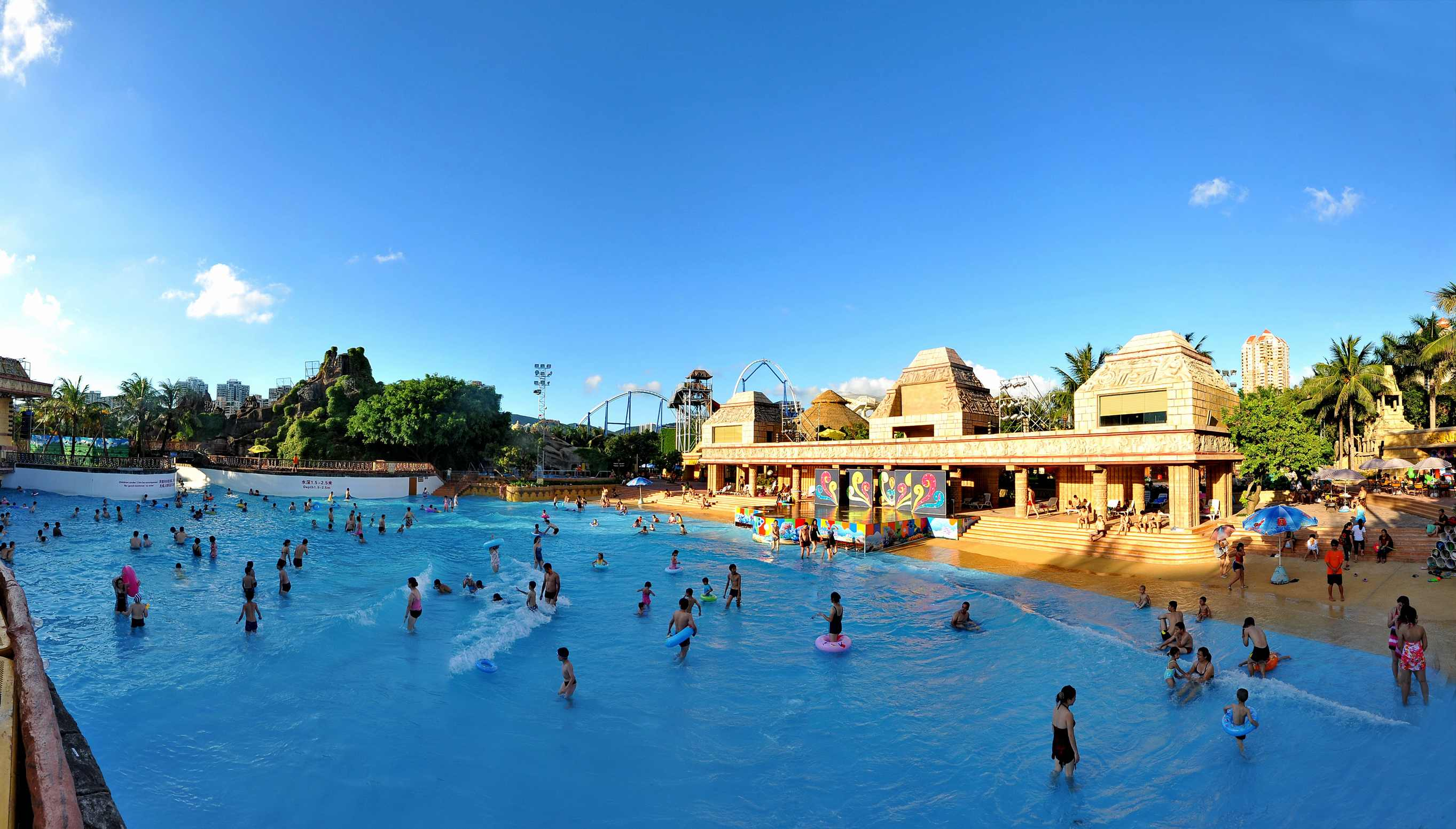 深圳欢乐谷玛雅水公园换泳衣在什么地方,怎么收费?