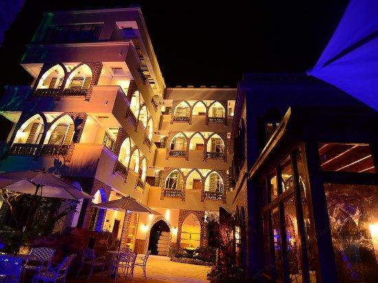 270°夕阳海景城堡酒店(北海涠洲岛滴水丹屏二号店)